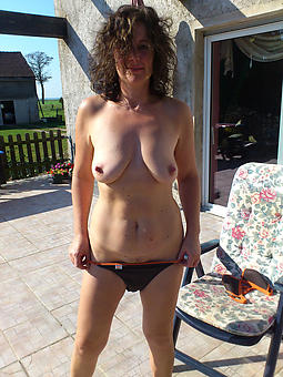 mature housewives minimal xxx pics