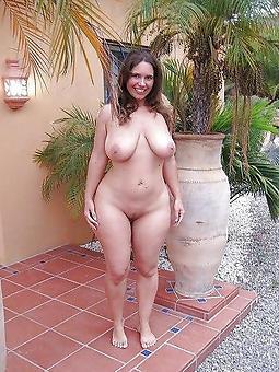 Full Figured Nudes