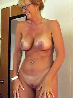 naked mom with glasses