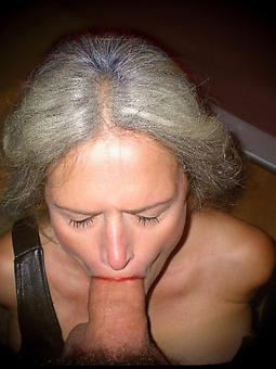 sexy matured mom buttering-up