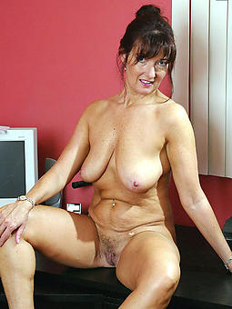 amature hot simmering mature moms pics