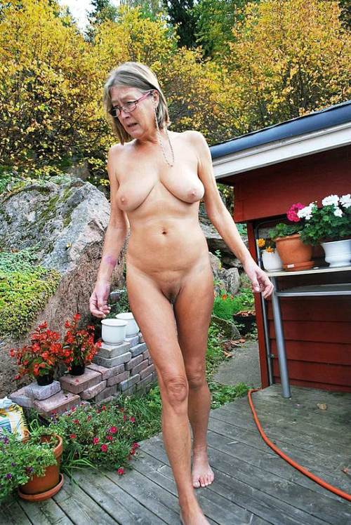 Pics old tits Naked Old