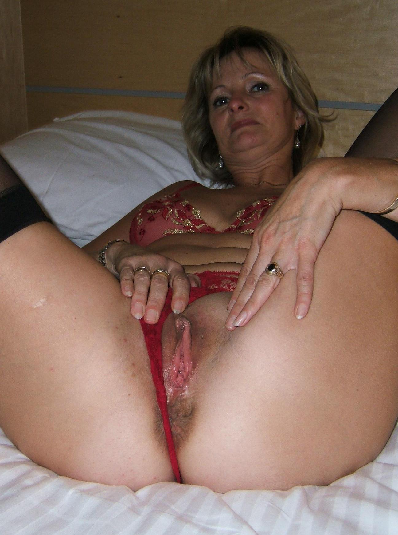 Wife nude mature Free Mature